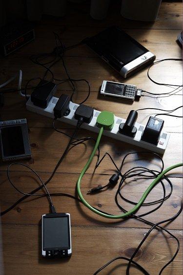 Neue Funkanlagenrichtlinie bringt endlich einheitliches Ladegerät für Handys