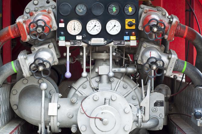 Technische Lösungen zur Steuerung von Maschinen und Anlagen