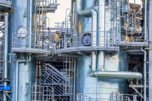 Industrielle Anlagen bergen häufig Druckrisiken, ab 0,5 bar greift die Druckgeräte-Richtlinie